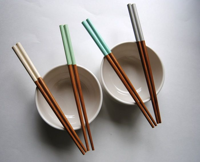 Paint Dipped Finished Bamboo Chopsticks: Remodelista I need to get these, we never seem to have enough chopsticks for Sushi Dinners.