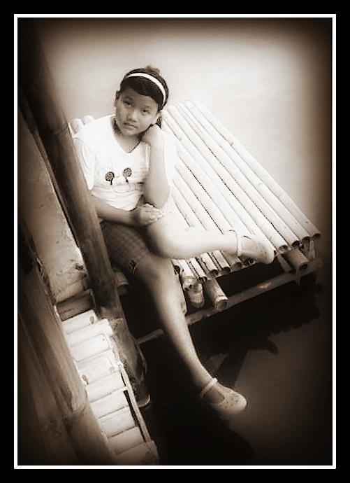 ........... hitam putih ...............