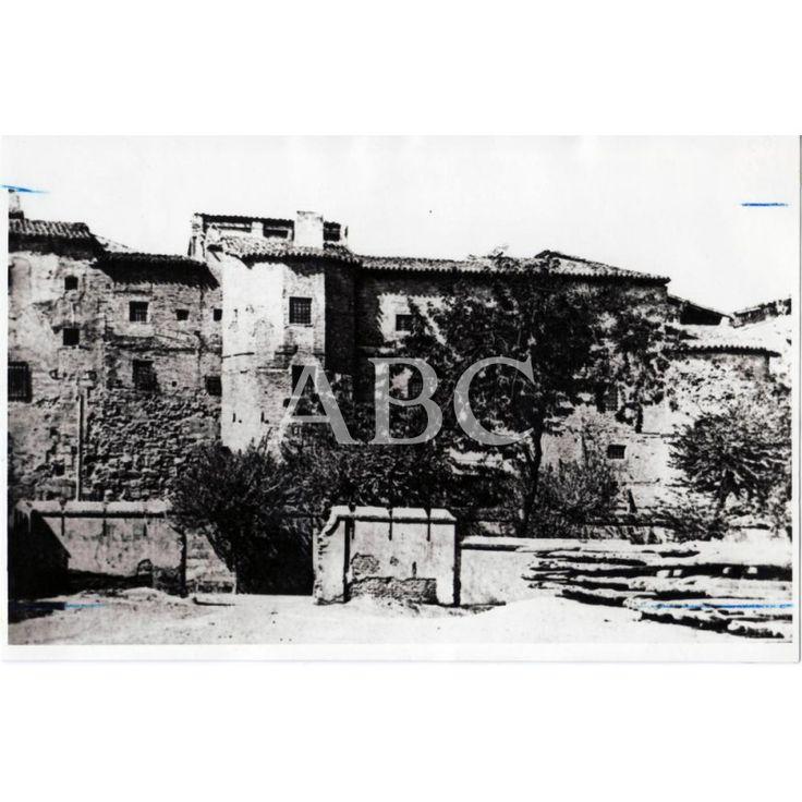 MURALLAS ROMANAS EN EL COSO BAJO (TENERÍAS).: Descarga y compra fotografías históricas en | abcfoto.abc.es 1900