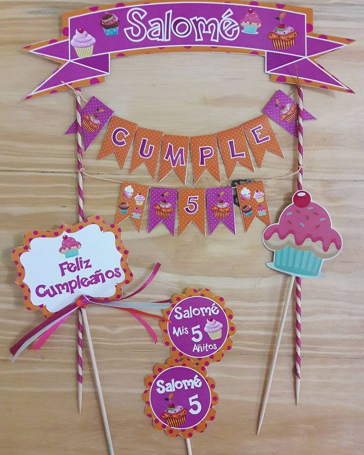 "9 Me gusta, 8 comentarios - Tarjeteria Social (@celebrayregala) en Instagram: ""Mini banderin para torta personalizado.. #banderin #cupcakes #toppers #celebrayregala"""