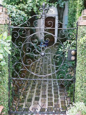 Use those gates to define sides of reception!