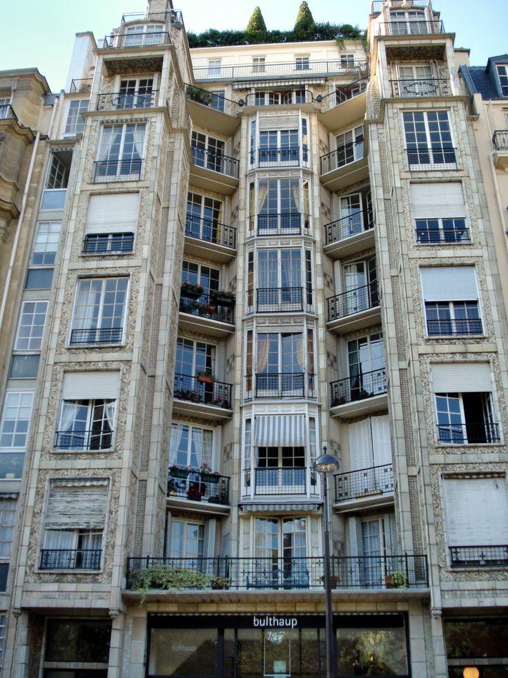 Apartment building, by Auguste Perret 1903, rue Franklin  25, Paris, France.