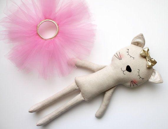 Cat ballerina in a pink tutu and a golden bow. Handmade par blita