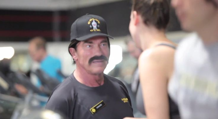 """Arnold Schwarzenegger Went Undercover As A Trainer At A Gold's Gym. """"Stop being a baby...this is a Gold's Gym, not a baby's gym."""""""