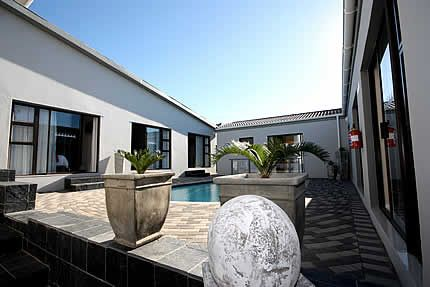 Le Blue Guest House in Bluewater Bay, Port Elizabeth, choice of 7 comfortable and stylish rooms each with their own private entrance.