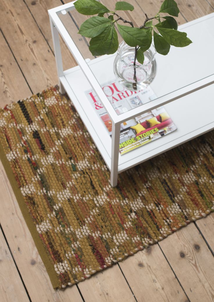 Greta Mustard diamond patterned cotton and jute large rug from Skandihome. A statement rug in gorgeous autumnal colours. Woven rug with geometric pattern.
