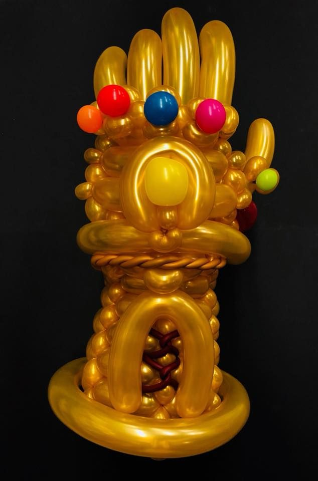Twisted balloon Infinity Gauntlet. Made by Gergo Csatai.