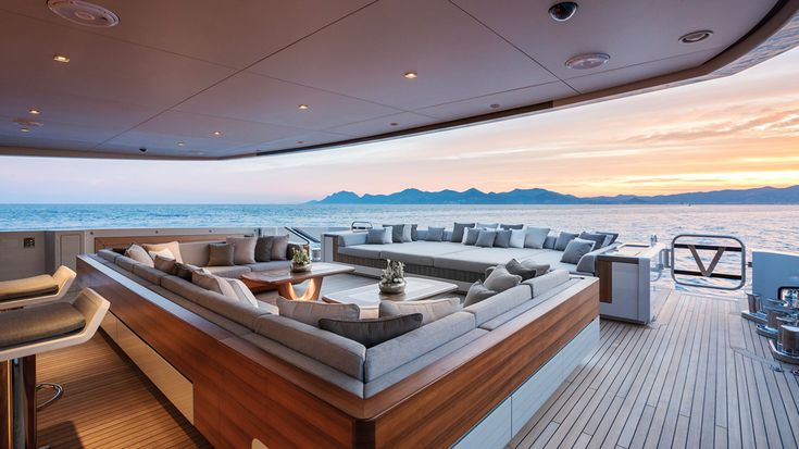 The smart design and first-rate crew of the Vertige, named for the owner's favorite French wine, offers a top-notch charter experience.