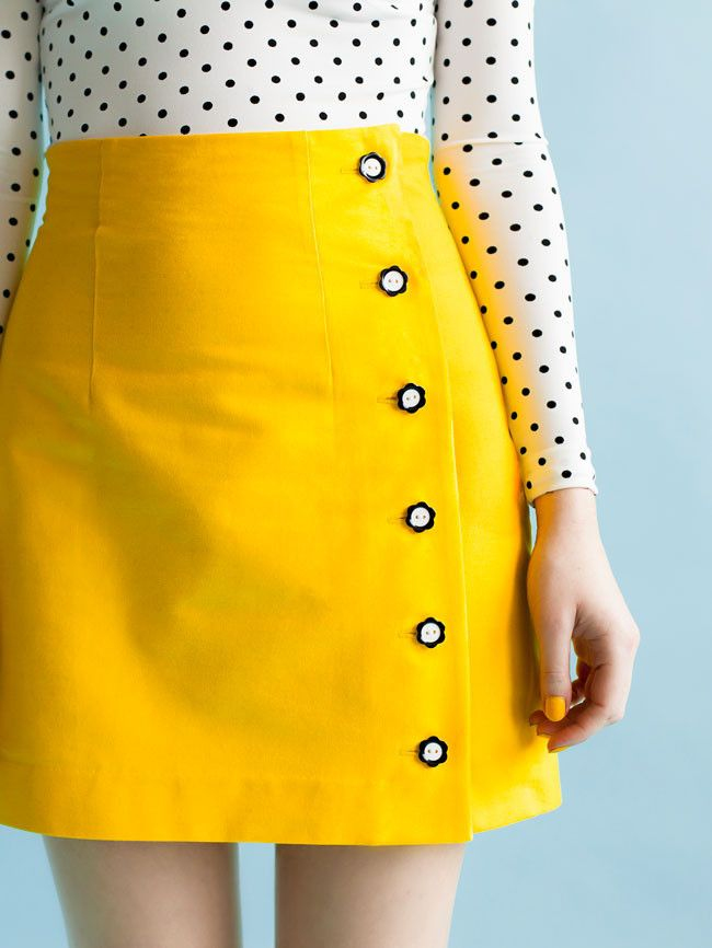 click through to get the pattern for this adorable buttoned skirt