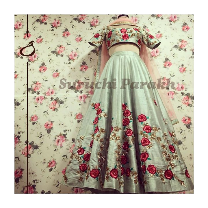 We are in love with this gorgeous beauty. Reinventing pastels with mesmerising resham thread roses in enchanting shades of deep red and coral encrusted with sequins over this lovely dusty mint canvas. 06 February 2018