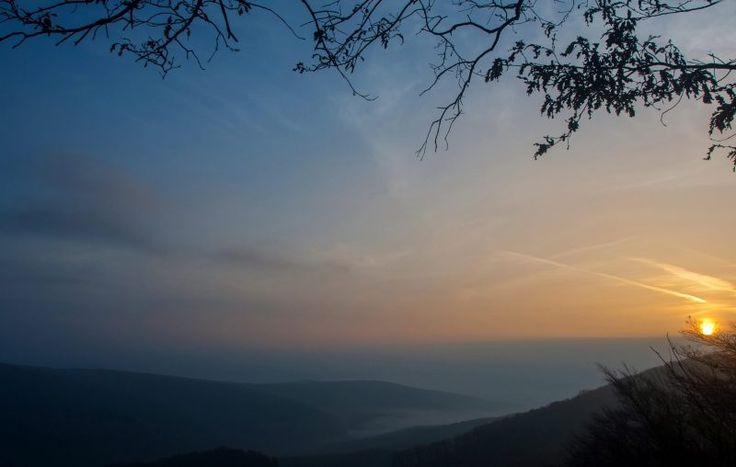 Természet - Pilisszentkereszt - Napfelkelte Dobogókõn