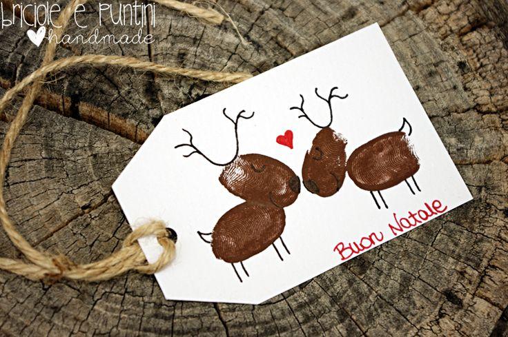 Natale di carta: nuova rubrica e tutorial tag con renne finger painting - Briciole e Puntini