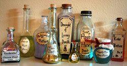Pozioni magiche, ovvero bottiglie decorate. Speciale Halloween - Sottocoperta.net: viaggi, enogastronomia, culture