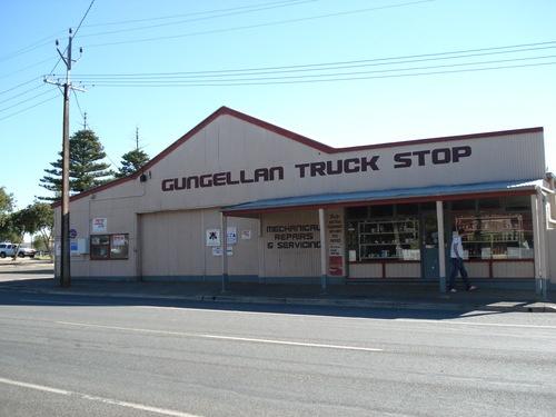 gungellan truck stop - freeling