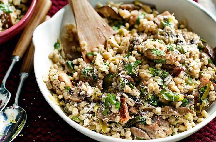 Chicken and mushroom pearl barley risotto | chicken recipe | Try this fantastic risotto made with pearl barley, chicken, leeks and mushrooms for a delicious, healthy and hearty meal. For this recipe and much more meal inspiration visit Tesco Real Food online today!