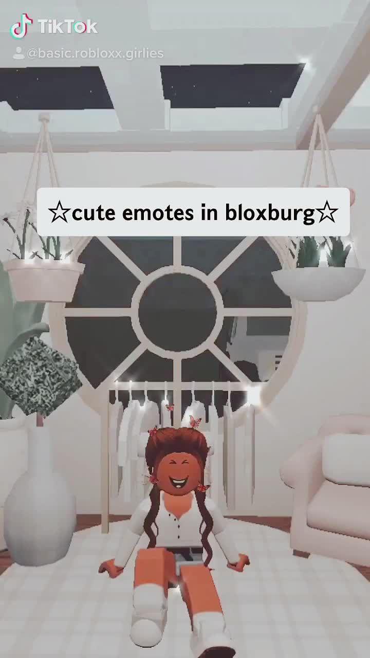 Pin By Honey The Bear On B L O X B U R G Cute Tumblr Wallpaper Roblox Codes Roblox Animation