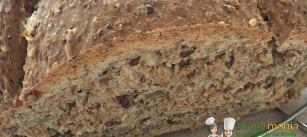Pane integrale Bimby con semi vari3.6 (72%) 15 votes Farine integrale e semi misti: di zucca, di sesamo, di lino…un vero e proprio concentrato di fibre per l'intestino. Pane integrale Bimby con semi vari, foto e ricetta di Maria Franca F. e Silvana M. Stampa Pane integrale Bimby con semi vari Ingredienti Lievitino: 5 gr …