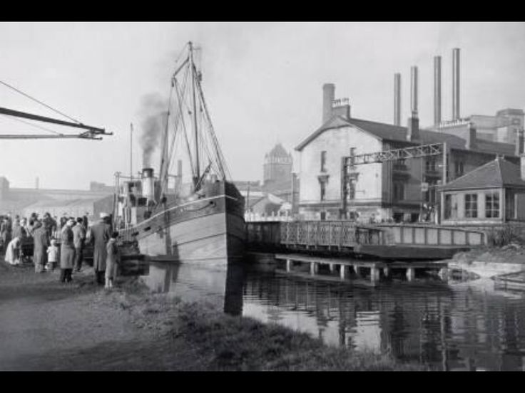 Canal at Singer's Building, Clydebank