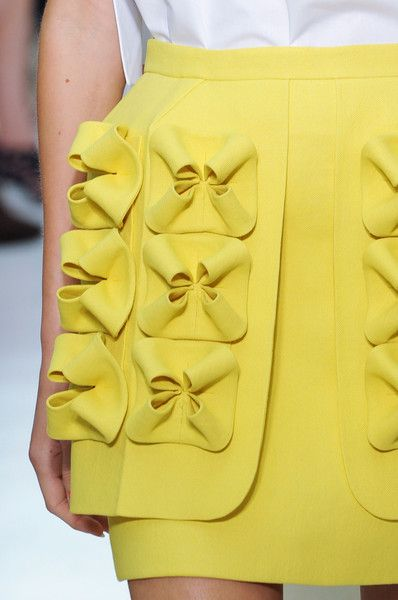 Delpozo Spring 2015 @Isobelmives @sallyannives reminded me of the stuff you guys had been pinning xo