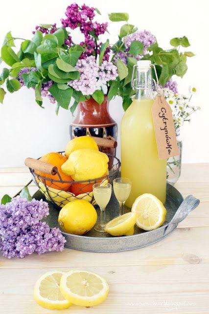 Nigdy nie lubiłam pić czystej wódki, ani zbyt słodkich napojów wysoko procentowych. Najbardziej lubię nalewki i likiery owocowe lekko kwask...