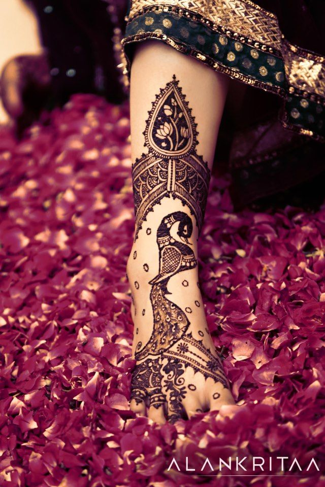 Henna by:Alankritaa; more inspiration @ http://www.ModernRani.com