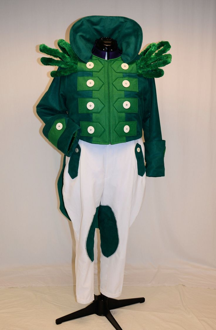 Gatekeeper - green fleece, long sleeve green tshirt, glued on gold felt buttons, Christmas garland for standup epaulets, gloves from buzz lightyear pattern, standup ruff
