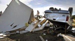 Σημαντικές υλικές ζημιές αναφέρθηκαν και στη Βόρεια Καρολίνα όπου πάνω από 200 οικογένειες έμειναν στο δρόμο καθώς ισάριθμα