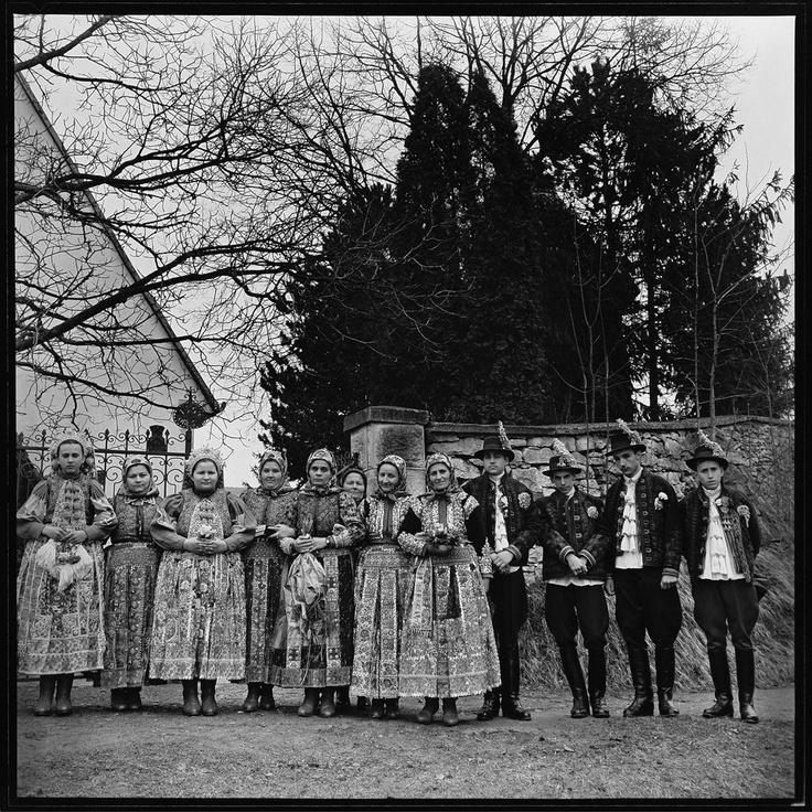 fotó: Klotz Miklós - Máramarosi viselet - hungarian folk costumes - Erdély