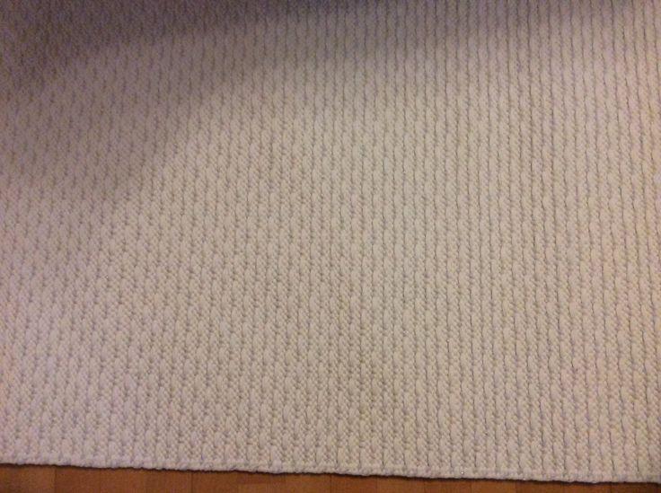 valkoinen trikoo ja valk/hopea ontelokude