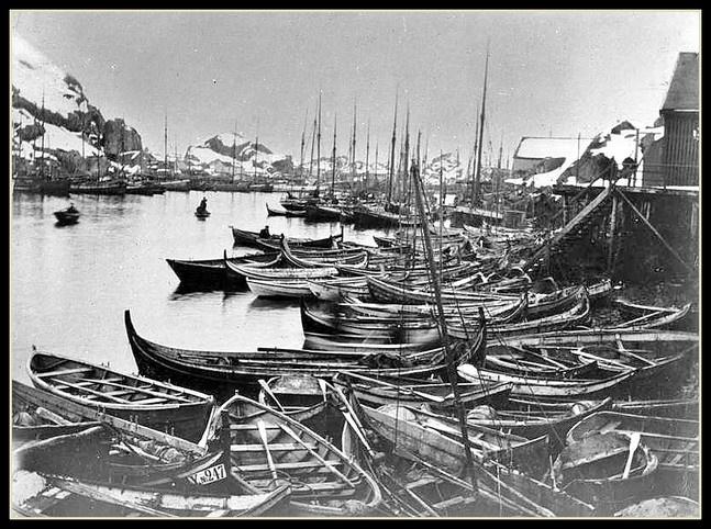 Sund i Lofoten. Avfotografert, mulig etter fotograf Lind, Kabelvåg. foto 1905.  http://lofotbilder.origo.no/ by Roy A.G.