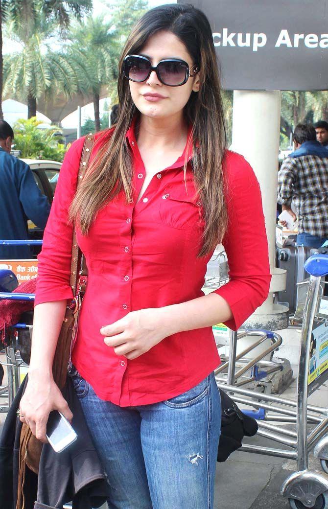 Zareen (Zarine) Khan at Mumbai airport. #Bollywood #Fashion #Style #Beauty #Hot #Sexy