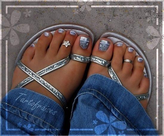 toe polish design | Nail polish (and nail designs that I'd never be able to do) / toe nail ...