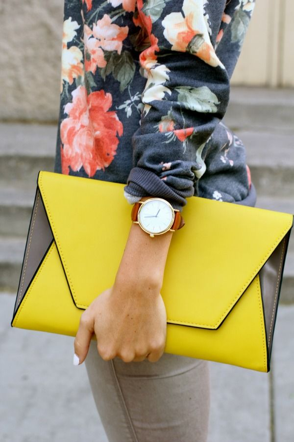 Styled Avenue - bold yellow