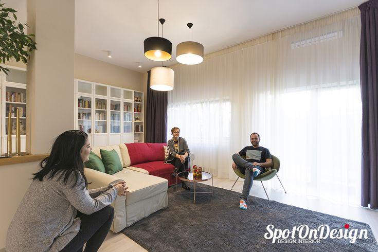 Ne relaxam dupa o lunga sedinta foto @ Casa Herastru In curand proiectul integral pe site 🔜   #sedintafoto #echipa