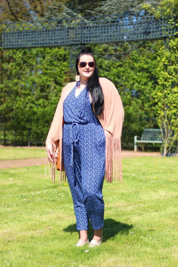 Anaïs Pénélope   Blog mode ronde, grande taille, plus-size fashion blog, fatshion.: Blush and blue big size fashion http://amzn.to/2kRZpiY