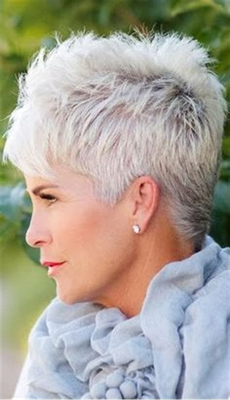 short wavy haircuts 88 best hairstyles for thin hair on 9872 | 4cb749f9872acfaa37c264f89b6b12d3