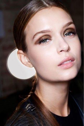 Olhos de Amêndoa: sombra marrom, cintilante @whisperbysara