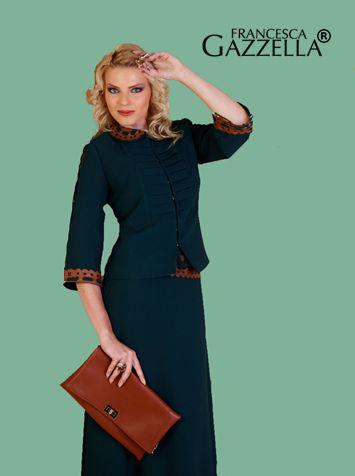 Kahverengi ve mavinin uyumu... #çanta #etek #ceket #kahverengi #mavi #moda #fashion
