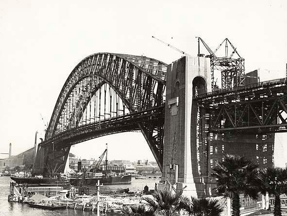 Sydney Harbour Bridge being built