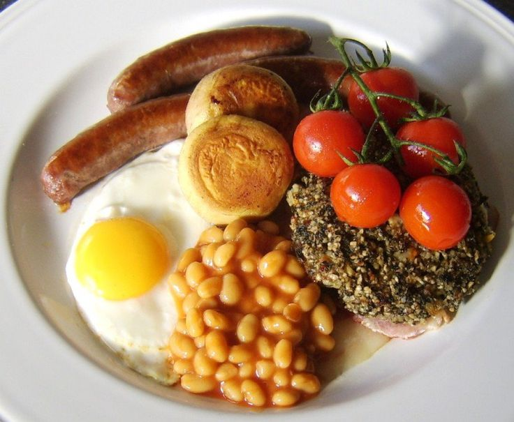 A full Welsh breakfast is similar in many respects to other British fried breakfasts. It is made truly unique, however, by the inclusion of laverbread and cockles on the plate, two things you would never find in English, Scottish or Northern Irish breakfasts.