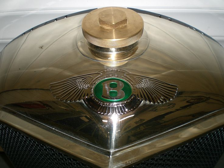 Close up of the same thing. Simply gorgeous.  We will sort the radiator cap out later but in the mean time its slowly developing a patina.  Must keep anything sulfurous well away from this silver. #vintage_bentley #Charleston