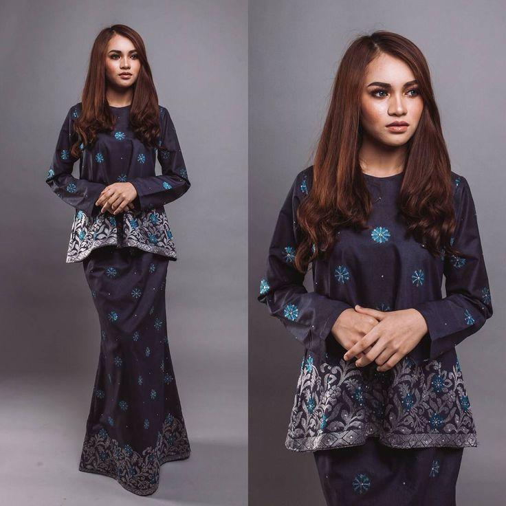 """Looking for simple and classy look? Do follow @seleksiakma. We provide simple but yet trendy blouse, baju kurung and baju kurung kedah with affordable…"""