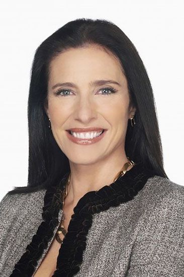 Starz's 'Ash vs. Evil Dead' Casts Mimi Rogers Celebrity women over 50. mature and classy style for women over 50