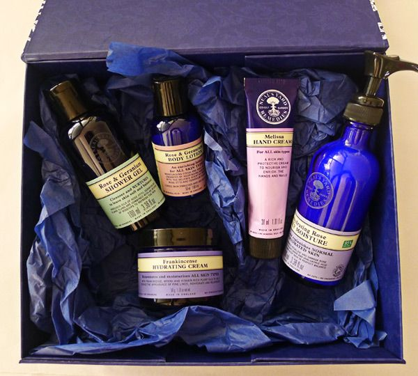 WIN a Neal's Yard Organics organic skincare pack - Hop on over to the State of Green blog to enter. Entries close 20 June 2014. blog.stateofgreen.com.au