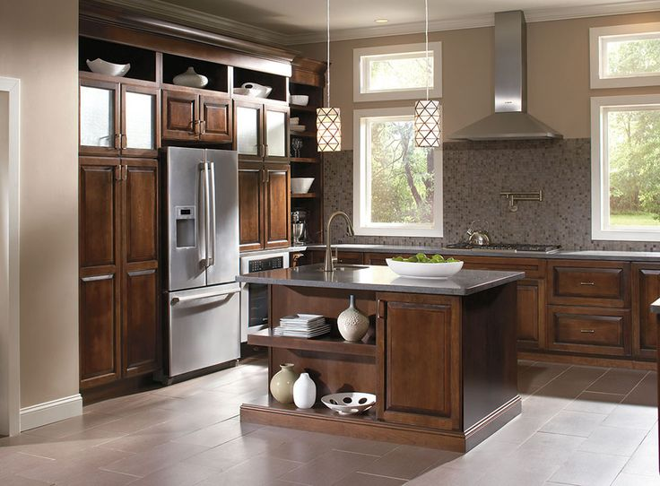 11 best traditional kitchens diamond at lowe 39 s images on for Black kitchen cabinets lowes