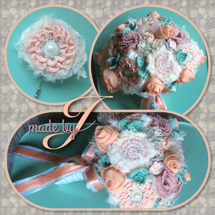 Bridal bouquet. Gehaakt en stof gebruikt