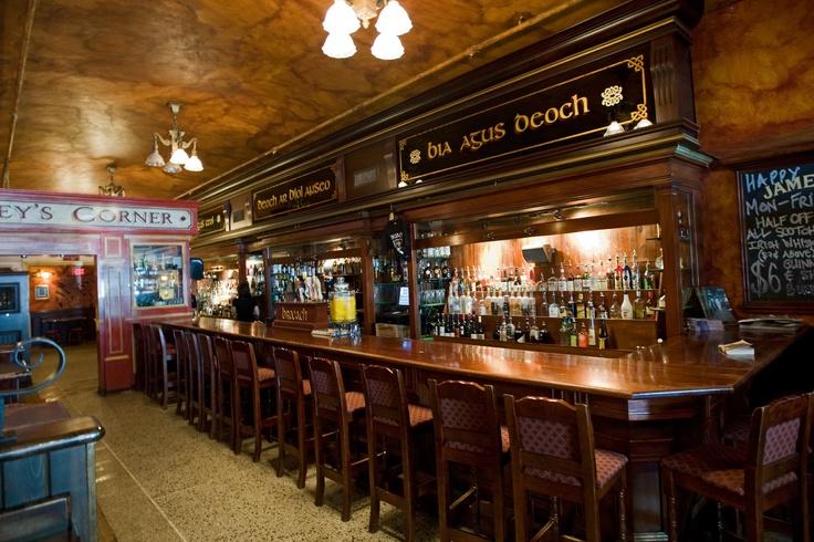 25 best irish pub decor images on pinterest for Irish pub decorations home
