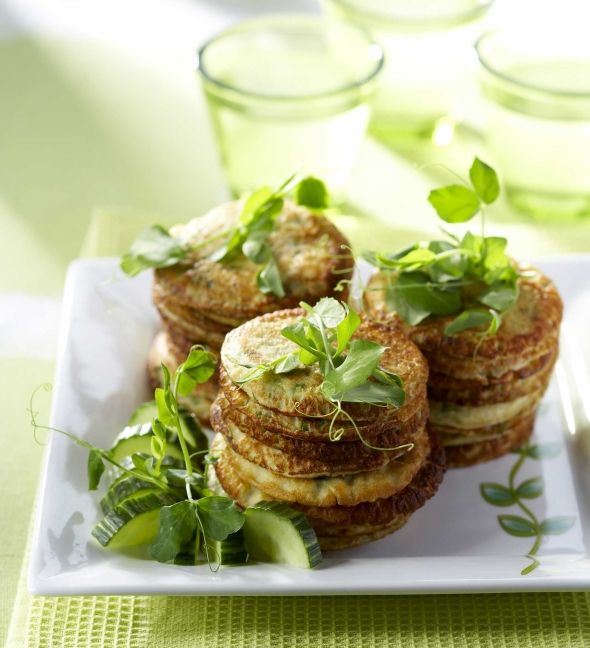 Cucumber pancakes - Kurkkuohukaiset, resepti – Ruoka.fi