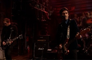 Johnny Marr dropped by Late Night With Jimmy Fallon last night to perform The Messenger (the fantastic title track off his amazing debut solo album of the same name read my r...