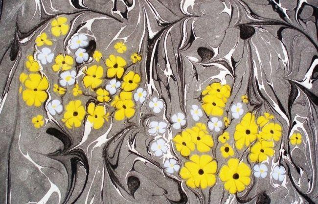 Esengul Inalpulat (©2006 artmajeur.com/kirmizi) Serbest. Şal üzeri sarı kır çiçeği olan ebru (marblimg art)